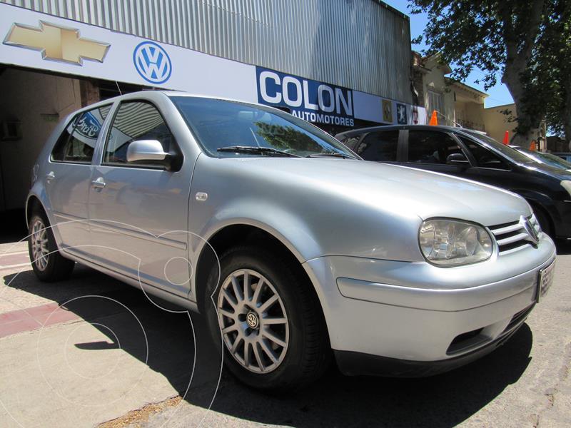 foto Volkswagen Golf 5P 2.0 Highline Aut usado (2004) color Gris Plata  precio $480.000