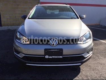 Foto venta Auto Seminuevo Volkswagen Golf CROSSGOLF DSG (2017) color Plata precio $305,000