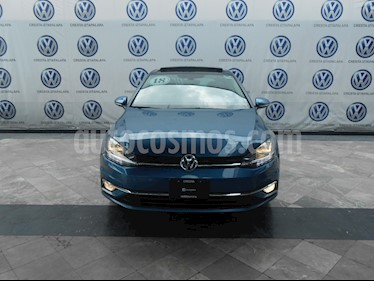 Foto venta Auto Seminuevo Volkswagen Golf Highline DSG (2018) color Azul Metalico precio $374,000