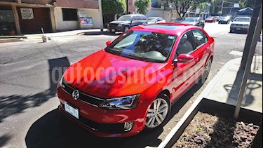 Volkswagen Jetta GLI 2.0T DSG usado (2013) color Rojo precio $190,000