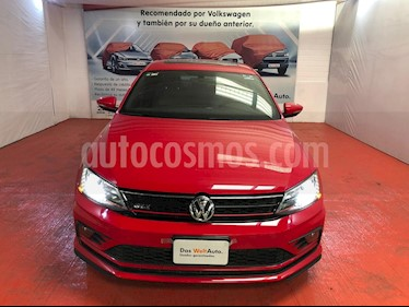 Foto Volkswagen Jetta GLI 2.0T DSG usado (2017) color Rojo Tornado precio $348,000
