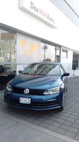 Foto venta Auto Seminuevo Volkswagen Jetta 2.0 (2018) color Azul precio $240,000