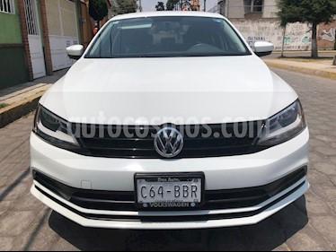 Volkswagen Jetta 2.0 usado (2017) color Blanco precio $175,000