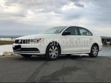 Volkswagen Jetta 2.0 usado (2017) color Blanco precio $187,000