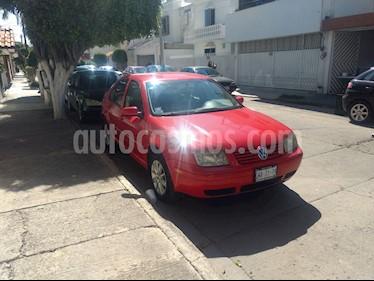 Volkswagen Jetta 2.0 usado (2002) color Rojo precio $80,000