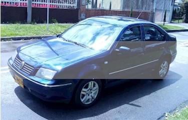 foto Volkswagen Jetta 2.0L Trendline Aut usado (2007) color Azul precio $17.700.000
