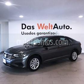 Foto venta Auto usado Volkswagen Jetta Comfortline 2.0 Aut (2019) color Gris Oscuro precio $308,000