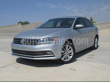 Foto venta Auto usado Volkswagen Jetta Comfortline Tiptronic (2016) color Plata Reflex precio $235,000