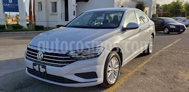 Foto venta Auto usado Volkswagen Jetta Comfortline Tiptronic (2019) color Blanco precio $259,900