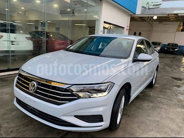 Volkswagen Jetta Comfortline Tiptronic usado (2019) color Plata precio $265,900