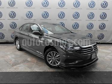 Foto venta Auto usado Volkswagen Jetta Comfortline Tiptronic (2019) color Gris precio $339,000