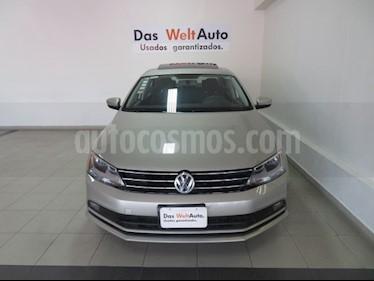 Foto venta Auto usado Volkswagen Jetta Comfortline Tiptronic (2015) color Plata Lunar precio $192,995