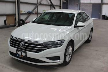 Foto Volkswagen Jetta Comfortline Tiptronic usado (2019) color Blanco precio $265,900