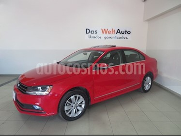 Foto venta Auto usado Volkswagen Jetta Comfortline (2018) color Rojo precio $247,919