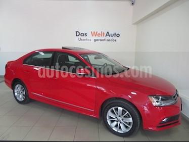 Foto venta Auto usado Volkswagen Jetta Comfortline (2018) color Rojo precio $265,264