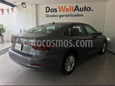 Foto venta Auto usado Volkswagen Jetta Comfortline (2019) color Gris Platino precio $320,000