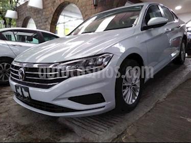 Foto venta Auto usado Volkswagen Jetta Comfortline (2019) color Plata precio $275,800