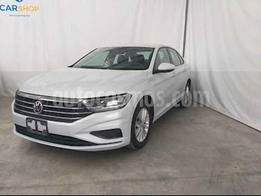Foto Volkswagen Jetta Comfortline usado (2019) color Blanco precio $265,900