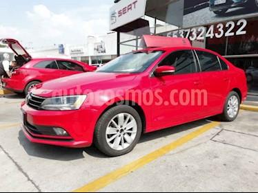 Volkswagen Jetta Comfortline usado (2016) color Rojo precio $205,000