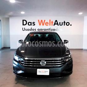 Foto venta Auto usado Volkswagen Jetta Comfortline (2019) color Gris Platino precio $328,000