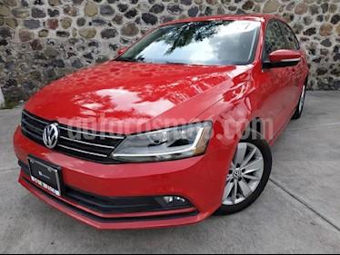 Foto venta Auto usado Volkswagen Jetta Comfortline (2017) color Rojo precio $275,000