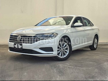 Foto venta Auto usado Volkswagen Jetta Comfortline (2019) color Blanco precio $278,900