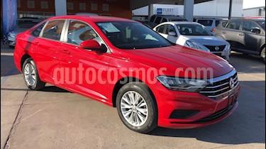 Foto venta Auto usado Volkswagen Jetta Comfortline (2019) color Rojo precio $305,000