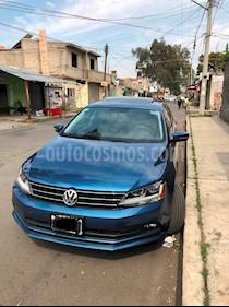 Foto Volkswagen Jetta Comfortline usado (2017) color Azul precio $240,000