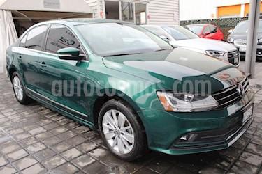 Foto venta Auto Seminuevo Volkswagen Jetta Comfortline (2017) color Verde precio $220,000