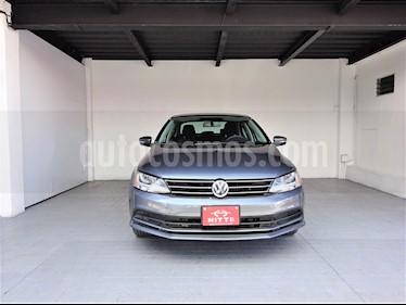 Volkswagen Jetta Comfortline usado (2017) color Gris precio $215,000