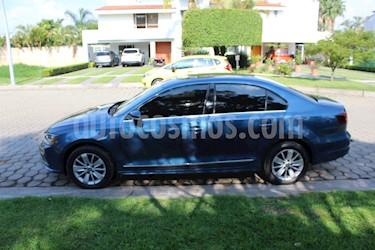 Foto Volkswagen Jetta Comfortline usado (2017) color Azul precio $200,000