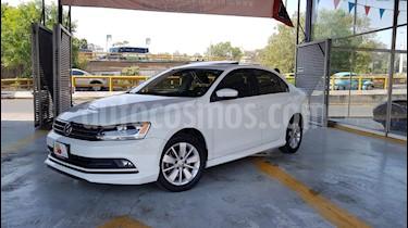Foto venta Auto usado Volkswagen Jetta Comfortline (2016) color Blanco precio $197,900