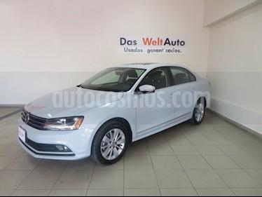 Foto venta Auto usado Volkswagen Jetta Comfortline (2018) color Plata Lunar precio $278,358