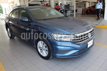 Volkswagen Jetta Comfortline usado (2019) color Azul precio $280,000
