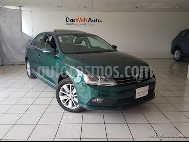 Foto venta Auto usado Volkswagen Jetta Comfortline (2017) color Verde precio $244,900