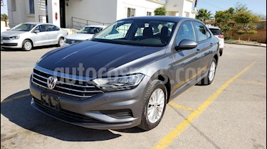 Foto venta Auto usado Volkswagen Jetta Comfortline (2019) color Gris precio $282,800