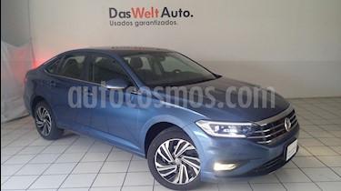 Foto venta Auto Seminuevo Volkswagen Jetta Highline Tiptronic (2019) color Azul Laser