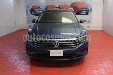 Foto venta Auto usado Volkswagen Jetta Highline (2019) color Azul precio $355,000