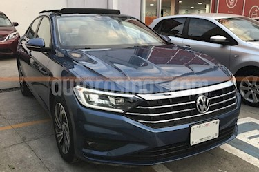 Foto venta Auto Seminuevo Volkswagen Jetta Highline (2019) color Azul precio $400,000