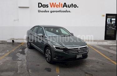 Foto Volkswagen Jetta Highline usado (2019) color Verde precio $403,400