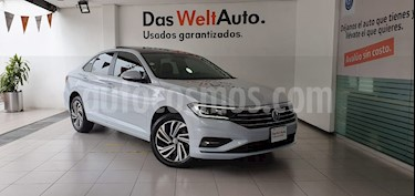 Volkswagen Jetta Highline usado (2019) color Plata precio $399,000