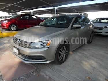 Foto venta Auto Seminuevo Volkswagen Jetta Jetta Tiptronic (2015) color Plata precio $190,000