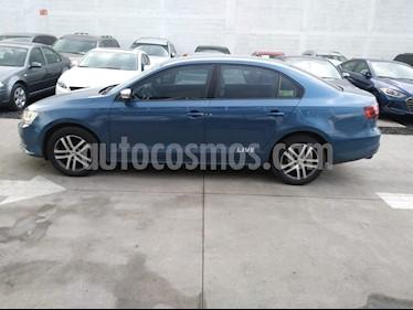 Foto venta Auto Seminuevo Volkswagen Jetta Live (2017) color Azul precio $200,000