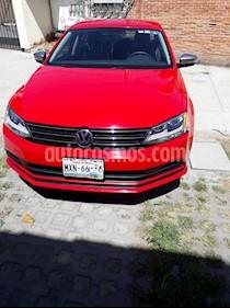 Foto venta Auto usado Volkswagen Jetta Live (2016) color Rojo Tornado precio $193,500