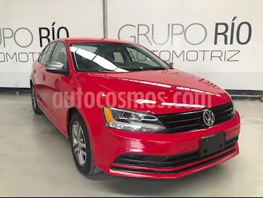 Foto venta Auto usado Volkswagen Jetta Live (2016) color Rojo precio $184,000