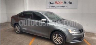 Foto Volkswagen Jetta Live usado (2017) color Gris Platino precio $215,000