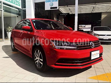 Volkswagen Jetta 4p Trendline L5/2.5 Man usado (2018) color Rojo precio $235,000