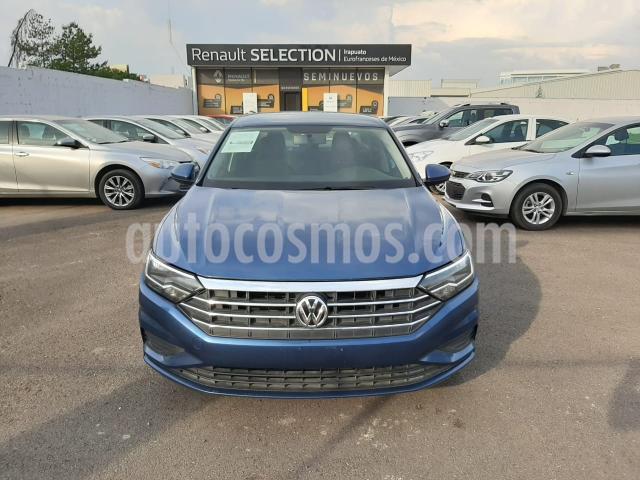 Volkswagen Jetta 4P CONFORTLINE L4/1.4/T AUT usado (2019) color Azul precio $295,000