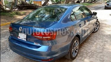 Volkswagen Jetta 2.0 usado (2017) color Azul precio $225,000