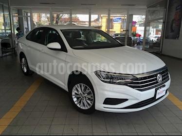 Volkswagen Jetta Comfortline usado (2019) color Blanco precio $298,000